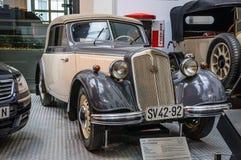 DRESDEN TYSKLAND - MAI 2015: IFA F8 Cabrio Audi 1955 i Dresden Arkivfoto