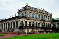 Dresden Tyskland: Zwinger slott Royaltyfri Bild