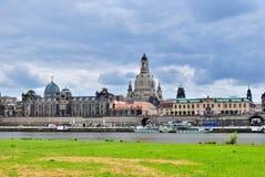 Dresden. Vista de la terraza de Elbe y de Bruhl imagen de archivo