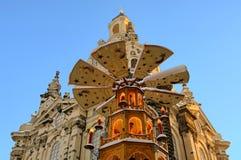 Dresden-Weihnachtsmarktkirche unserer Dame Stockbild