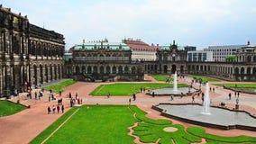 Dresden Zwinger - el edificio histórico famoso en la ciudad en Alemania almacen de metraje de vídeo