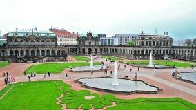 Dresden Zwinger - el edificio histórico famoso en la ciudad en Alemania metrajes
