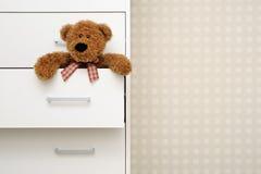 dresser niedźwiadkowy miś pluszowy Obraz Stock