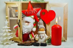 Dresser z ornamentami na choince Fotografia Stock