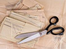 Dressmaking σχέδιο και ψαλίδι, υπόβαθρο Στοκ Φωτογραφίες
