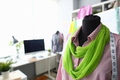 Dressmaking-Arbeits-Mode kleidet Konzept des Entwurfes stockfotos