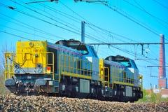 Drev för diesel- lokomotiv förbi staden av ghent Arkivbilder