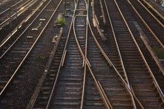 drev för trafik för stänger för perspektiv för crossingföreningspunktlampor järnväg Fotografering för Bildbyråer