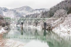 Drev i vinterlandskapsnö Royaltyfri Bild