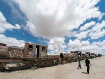 Drevkyrkogård i Uyuni som är boliviansk Arkivbild