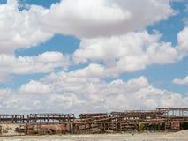 Drevkyrkogård i Uyuni som är boliviansk Royaltyfri Fotografi