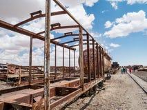 Drevkyrkogård i Uyuni som är boliviansk Arkivfoton