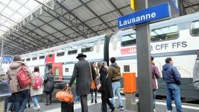 Drevplattform på den Lausanne stationen Arkivfoton