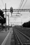 Drevspår på den Cortona stationen Arkivfoton