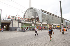 Drevstation på Alexander platz, Berlin arkivbild