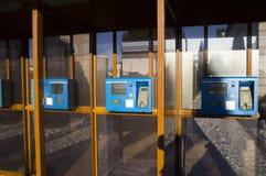 Drevstation Terminaler för biljettförsäljningar Royaltyfria Bilder