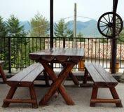 Drewniana ławka i stół Obrazy Royalty Free