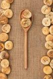 Drewniana łyżka z figami Obrazy Royalty Free