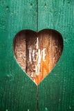 Drewniana żaluzja z sercem zdjęcie royalty free