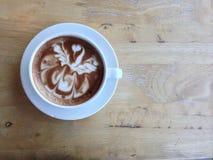 Drewniana backgroud tekstura z gorącą kawą Obraz Stock