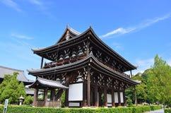 Drewniana brama stara świątynia, Kyoto Japonia Obrazy Stock