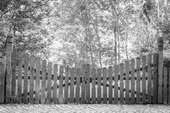 Drewniana brama w wiosce zdjęcie stock