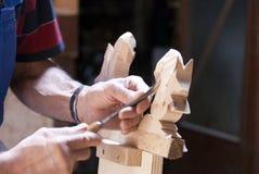 drewniana carver praca obraz stock