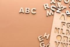 Drewniana deska z Angielskiego abecadła listami Obraz Royalty Free
