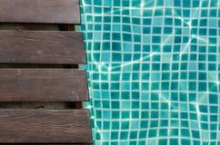Drewniana deski i turkusu płytka Obraz Royalty Free