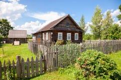 drewniana domowa stara rosyjska wioska Obraz Royalty Free