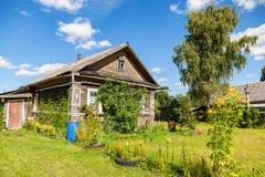 drewniana domowa stara rosyjska wioska Zdjęcia Royalty Free