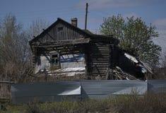 drewniana domowa stara rosyjska wioska Rosja Zdjęcia Stock
