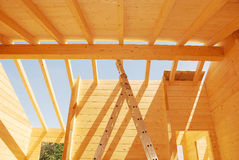 Drewniana domu dachu budowa Zdjęcia Royalty Free