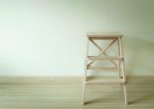 Drewniana drabina w pokoju zdjęcie stock