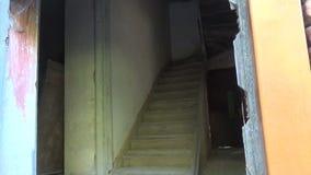 Drewniana drabina w Rujnującym domu 1 zdjęcie wideo