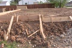 Drewniana formwork betonowego paska podstawa dla nowego domu Zdjęcie Stock