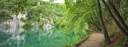 drewniana jeziorna ścieżka Obrazy Royalty Free
