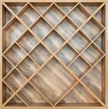 Drewniana kwadratowa półka dla wina lub książek deski z beautifu, Obrazy Royalty Free