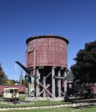 Drewniana linia kolejowa Watertower Fotografia Stock