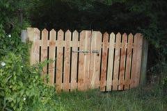 Drewniana ogrodowa brama Zdjęcia Royalty Free
