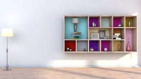 Drewniana półka z wazami, książkami i lampą, Fotografia Royalty Free