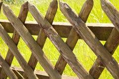 drewniana płotowa trawa Obraz Royalty Free