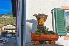 Drewniana postać dekorująca dla Bożenarodzeniowego Garmisch Partenkirchen obraz royalty free