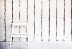 Drewniana schodowa mapa na starej drewno ścianie Zdjęcie Royalty Free