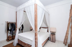 Drewniana sypialnia zdjęcie royalty free