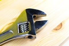 Drewniana tekstura z spanner Fotografia Royalty Free