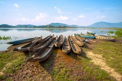 Drewniane łodzie na jeziorze fotografia royalty free