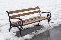Drewniane ławki w zimie Fotografia Stock