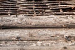 Drewniane bele i chrustowa ściana Fotografia Royalty Free