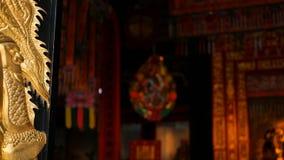 Drewniane bramy dekorowali z tradycyjnych chińskie bóg antycznymi świętymi drzwiowymi opiekunami Qin Shubao i Yuchi Jingde gongie zdjęcie wideo